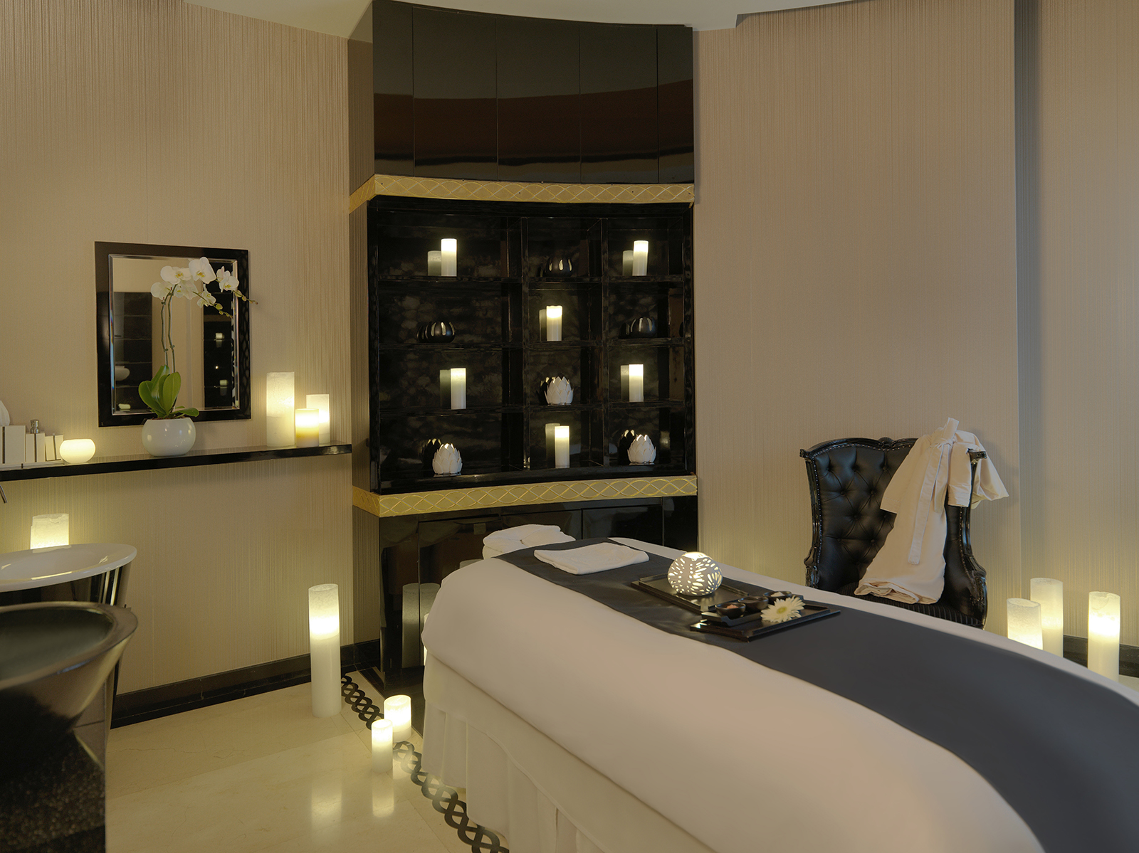 Luxury-Treatment-room-at-Softouch-Spa-Damac-Maison-Mall-Street-Dubai
